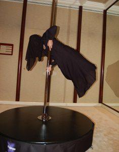 dancer in her abaya