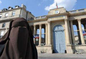 MUST READ: France Bows to Islam