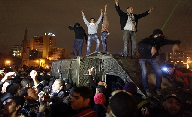 Egyptian police kill second man as anti-Mursi protests flare nationwide