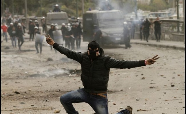 Masked 'Black Bloc' a mystery in Egypt unrest