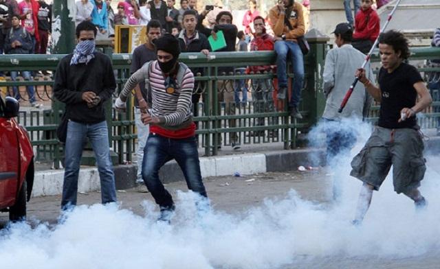 Egypt 'spent $2.6m on teargas' amid economic crisis