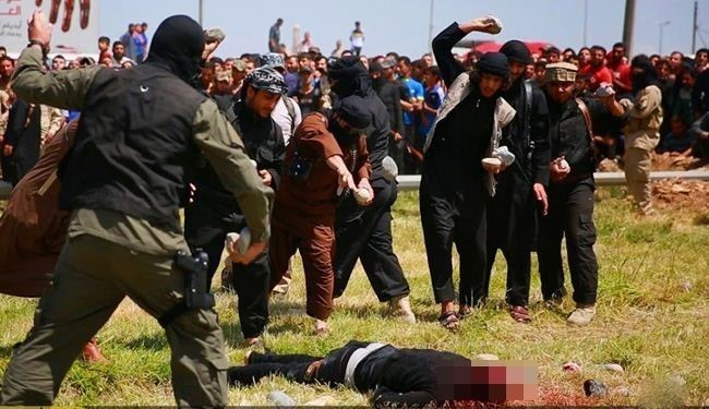 Iraq: ISIS Stones Two Men to Death for Adultery