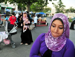 Muslims, police scuffle at Rye Playland over amusement park's head scarf ban