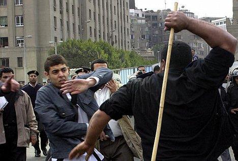 Egypt Muslims, Christians clash over cartoon