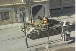 Syrian Tanks Gather on Turkish Border