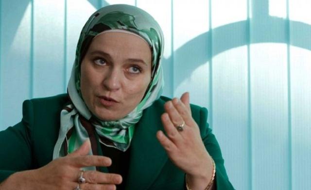 Veiled Muslim mayor a first for Bosnia