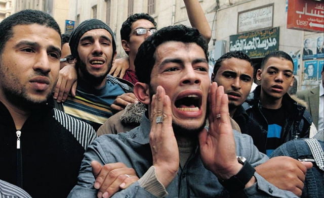 Egypt town in mourning illustrates national rift