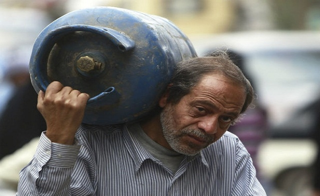 Egypt's cabinet agrees to curb fuel subsidies