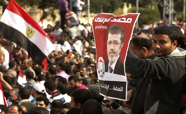 Experts question Mursi's timing of the constitutional declaration