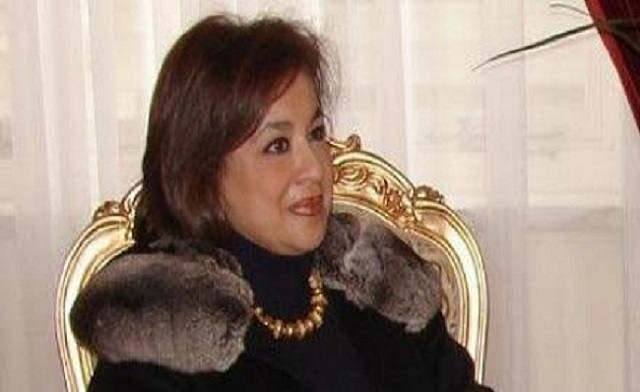 Egypt's ambassador to Cyprus claps airport officer who asked her to remove shoes
