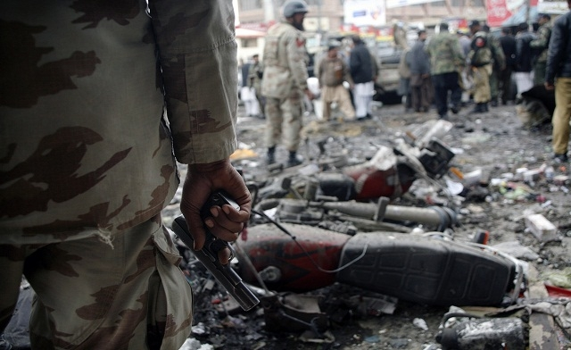 String of bombings kill 101, injure 200 in Pakistan