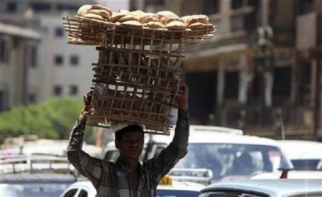 Egypt to seek IMF talks as it reveals grim economy data