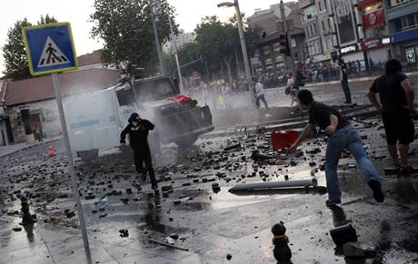 Clashes 06-2013