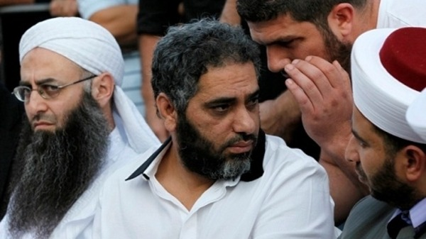 Lebanese singer-turned Islamist will sell home to back FSA