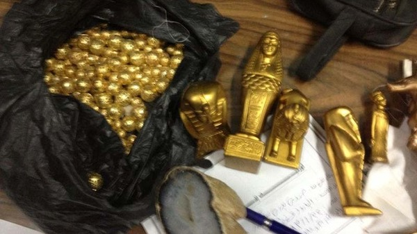 The items which vary in size and shape included a statue believed to belong to ancient Pharaoh Tutankhamun. Al Arabiya