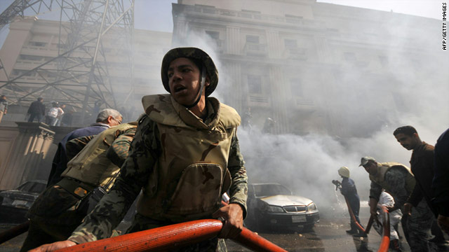 Clashes and flames in fresh Egypt unrest