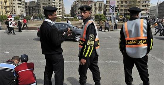 Two roadside bombs wound policemen in Cairo