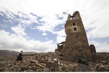 Home destroyed in Sanaa - Reuters