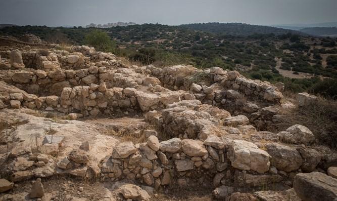 Lebanese are descendants of Canaanites