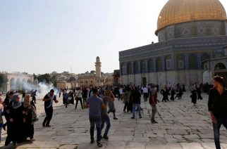 Riots on Temple Mount - REUTERS
